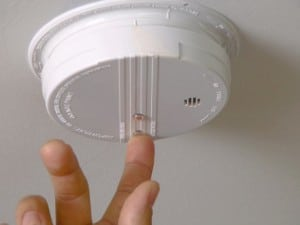 Smoke-Alarm-Test