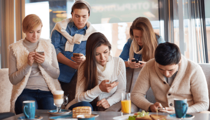 smartphone addiction and FOMO