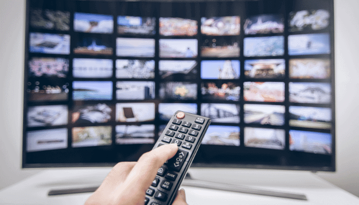 The Top 4 Benefits of Smart TVs for Seniors
